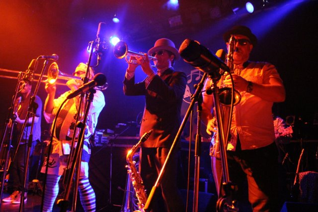 Fat Freddys Drop First live in Japan