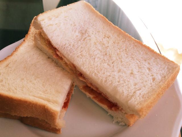 やみつきポテトチップスサンドイッチ