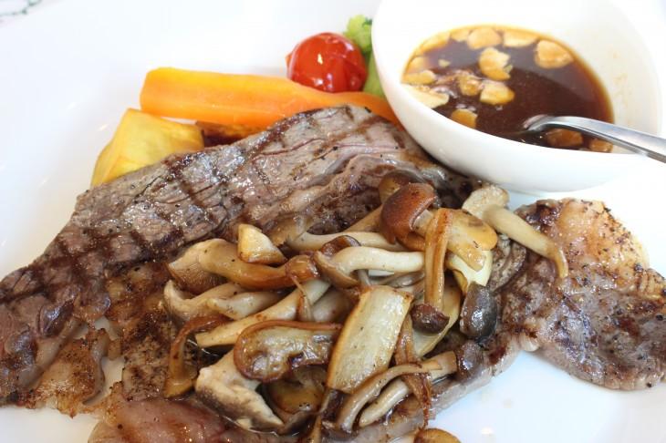 ビーフ アンド ラム ニュージランド  ステーキ肉の詰め合わせ1kgプレゼント!
