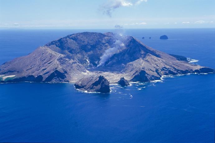 ニュージーランド ホワイトアイランド噴火